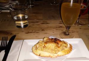 Genius: Crab Mac & Cheese paired with Earl Phanton